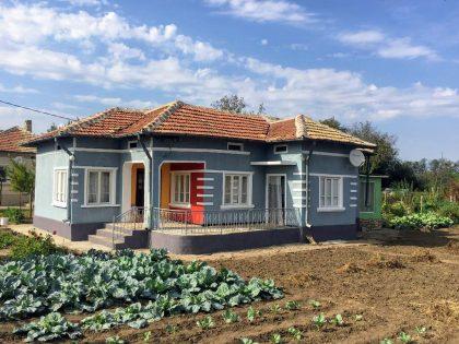 Zwei Häuser zum Preis von einem, 1600 qm. garten. Kardam Dorf – 30 min zu den Stränden