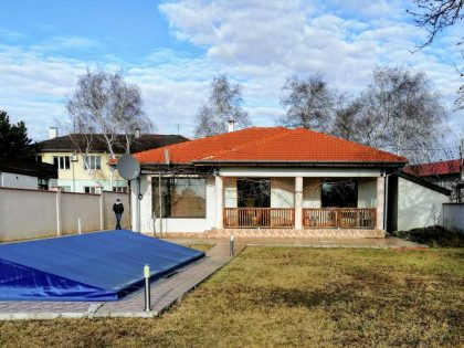 * Verkauft * Ausgezeichnete 4 Zimmer 2 Bad einstöckiges Haus zum Verkauf im Dorf Sokolovo. Privat 1000 m2 garten. Schwimmbad, 5 Min. Fahrt zur Küstenstadt Balchik