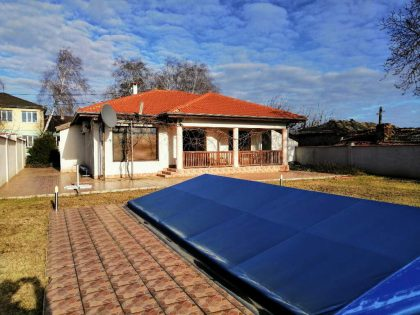 * Sold * Excellent 3 bed 2 bath single storey house for sale in the village of Sokolovo. Private 1000 sq.m. garden. Swimming pool, 5 min drive to the coastal town of Balchik