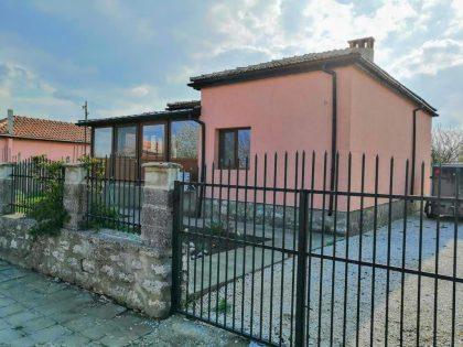 Renoviertes 3 Zimmer 1 Bad einstöckiges Haus mit 1050 qm. Garten – 25 Min. Fahrt zu den Stränden