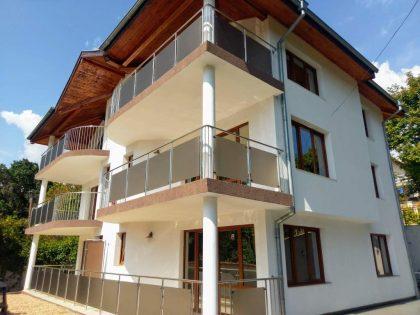 * Verkauft * Vorzüglich Villa in Balchik 400m zum Meer entfernt: 6 Luxus-Apartments in einem dreistöckigen Haus
