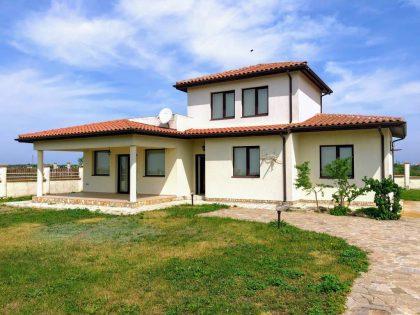 4-Zimmer 2-Bad Haus mit Meerblick in einem schönen Küstendorf