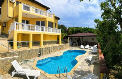* Verkauft * Herrliche Villa mit Meerblick und Pool, 5 Schlafzimmer, 3 Badezimmer, private 493 qm garten