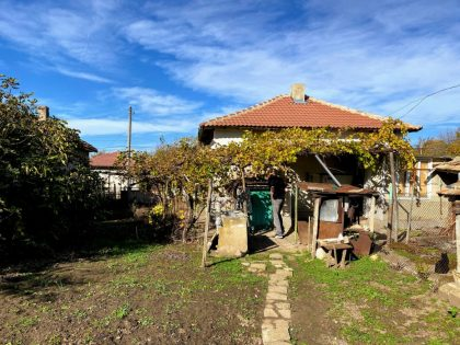 Ausgezeichnetes Preis-Leistungs-Verhältnis: 3-Zimmer-Haus in der Nähe von Toshevo mit 1000qm Garten