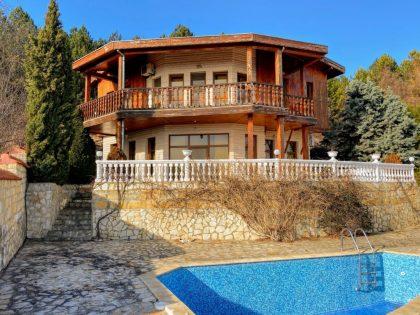 Hilltop Villa mit fantastischem Panoramablick, in der Nähe von Albena Strandresort