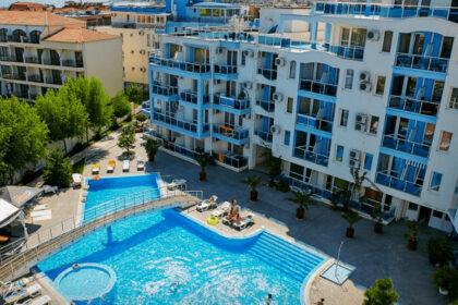 Angebot: 3-Zimmer-Wohnung mit massiver Terrasse in Nessebar, Odyssey – 200m vom Strand