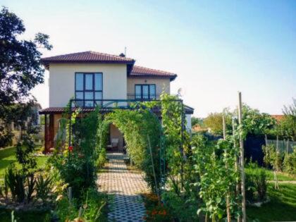 Angebot: 5-Zimmer-Haus in der Nähe von Varna, zu Fuß zu einem schönen Strand