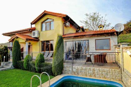 Tadellose Villa mit Pool & Blick auf das Schwarze Meer