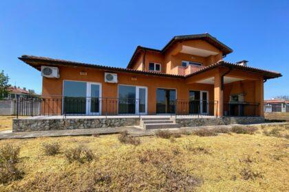 Neugebautes 4-Zimmer-Haus in Sokolovo bei Balchik & Albena