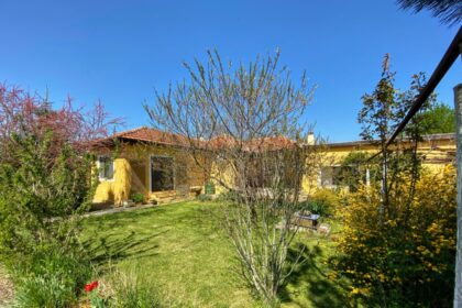 Lovely renovated bungalow located at the end of a quiet village near the coast