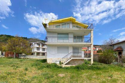 Dreistöckiges Haus mit Meerblick in Strandnähe – zwischen Albena & Balchik