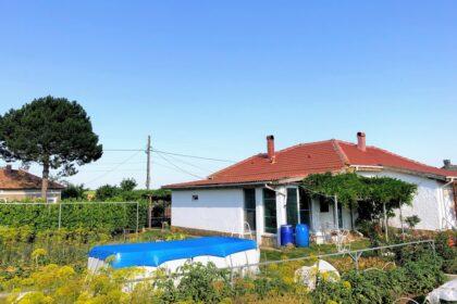 * Verkauft * Renoviertes Haus am Rande des Dorfes mit schönen 2500 qm. Garten – 30 min zum Strand