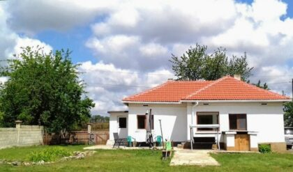 Ready-to-move-in 2 bed bungalow 20min from the coast