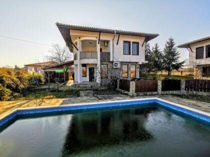 3 bed house with pool near Sunny Beach