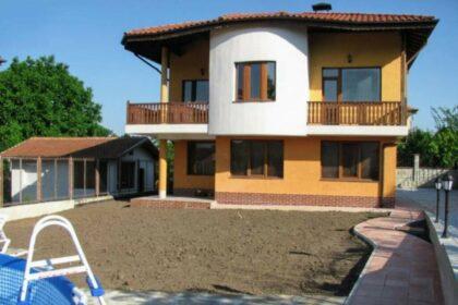 Neu gebautes Haus in Obrochishte nahe Albena