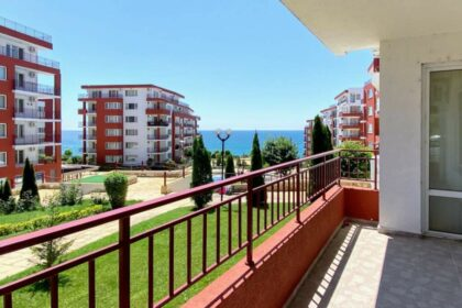 Bargain! 99m² 2-bed apartment with sea view near Sunny Beach (Vlas)