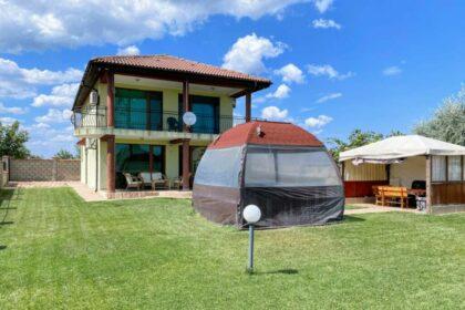 Zweigeschossiges 4-Zimmer-Haus mit Meerblick