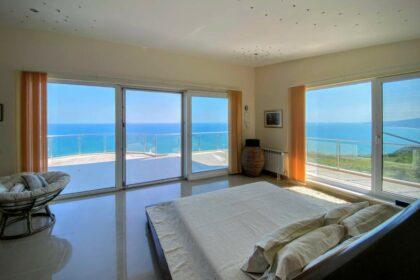 Luxus & Aussicht: Imposantes 5-Sterne-Immobilie mit direktem Blick auf die Bucht und das Meer
