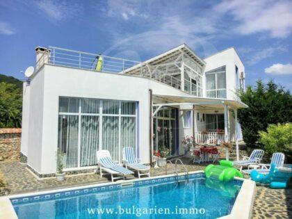 Wunderschönes Haus mit Meerblick in Strandnähe in Balchik