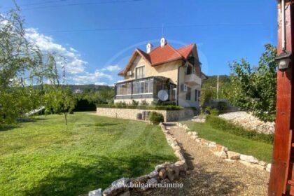 Außergewöhnliches Haus mit Meerblick in Varna bei St. Konstantin & Helena