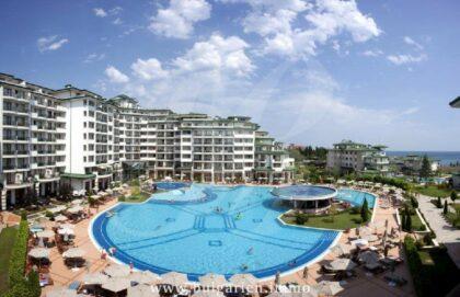 50qm Studio Wohnung am Strand mit Park- und Meerblick im Komplex Emerald in Ravda