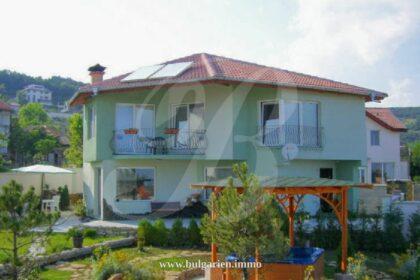 Zweistöckiges Haus in Rogachevo – 10min zum Strand