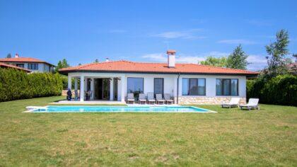 Elegante 5-Zimmer-Villa in BlackSeaRama